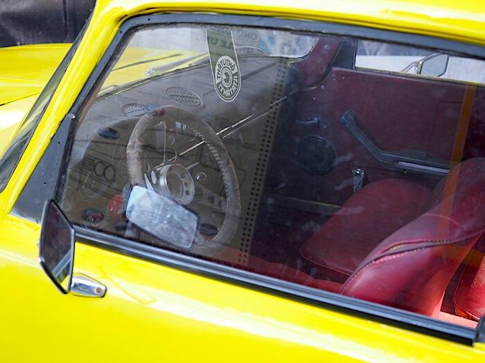 Autossa on osia laajasti Neuvostoliiton ajoneuvoteollisuuden eri tuotteista.