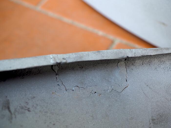 Lasimurskapuhallus paljastaa vanhat ruostekorjaukset. Kuva: Kai Lappalainen, lisenssi: CC-BY-40.