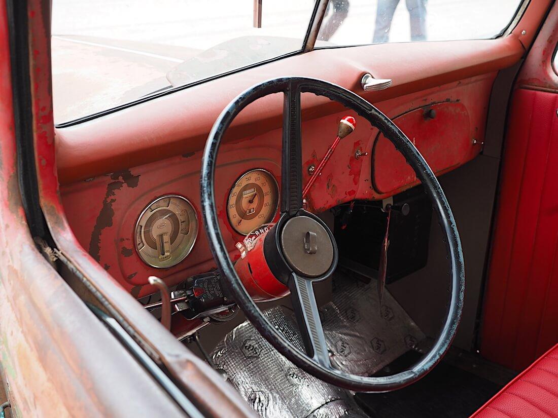 1937 Ford Pickup kojelauta. Tekijä: Kai Lappalainen, lisenssi: CC-BY-40.