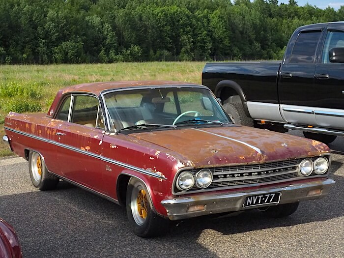 1963 Oldsmobile Cutlass 2d patina. Kuva: Kai Lappalainen, lisenssi: CC-BY-40.