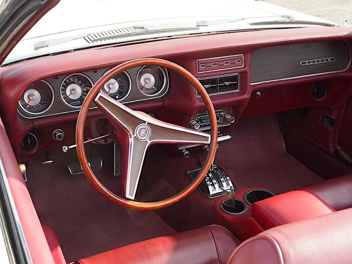 1969 Mercury Cougar nahkasisusta. Kuva: Kai Lappalainen, lisenssi: CC-BY-40.