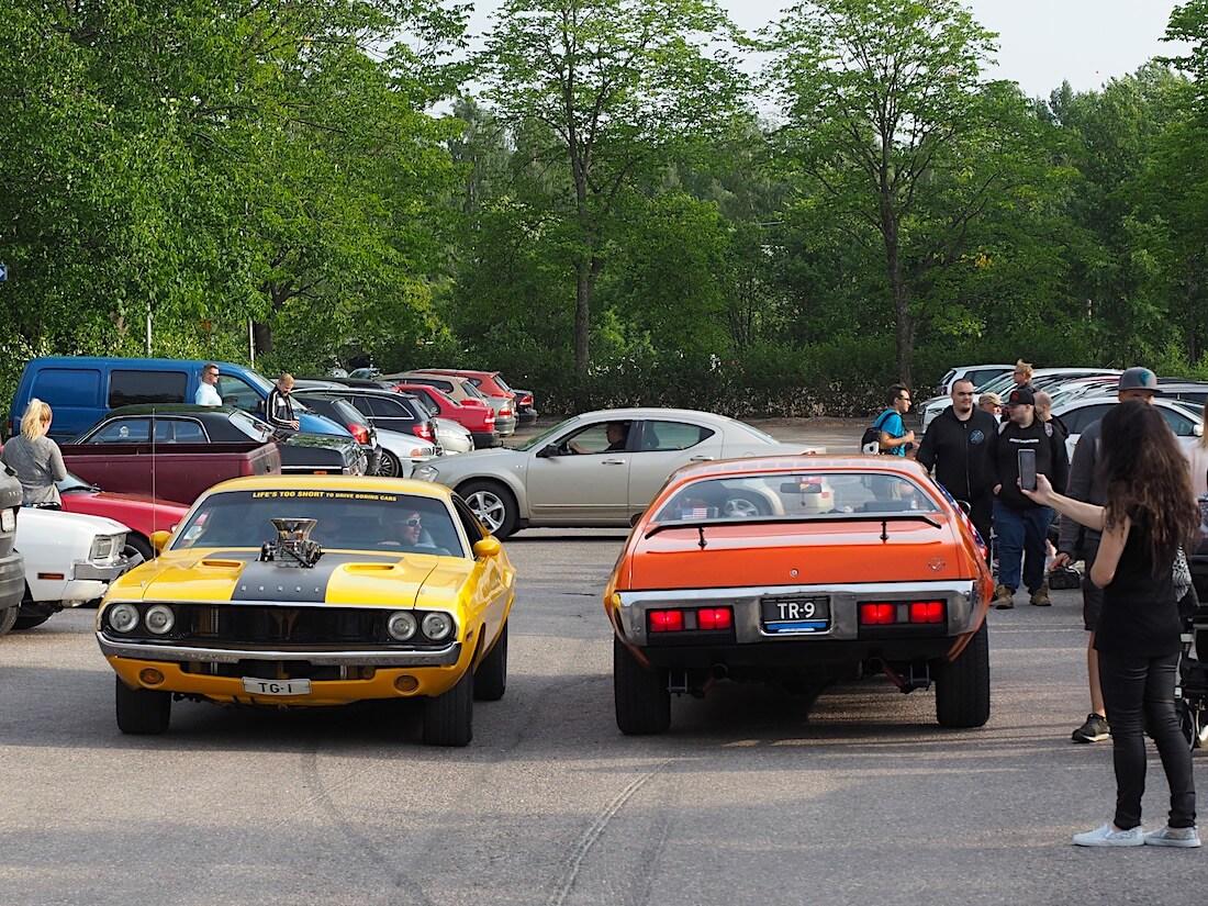 1973 Dodge Challenger ahtimella ja 1971 Plymouth Road Runner. Tekijä: Kai Lappalainen, lisenssi: CC-BY-40.