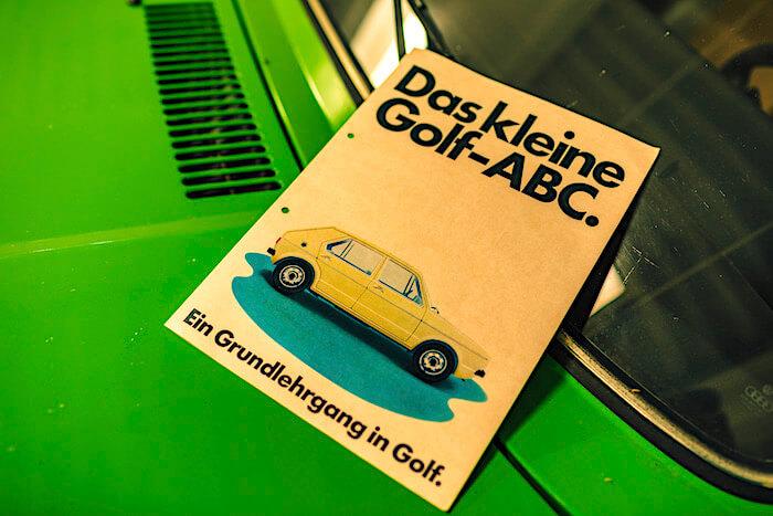 Golf MkI käyttöohjekirja. Tekijä ja copyright: Volkswagen AG.