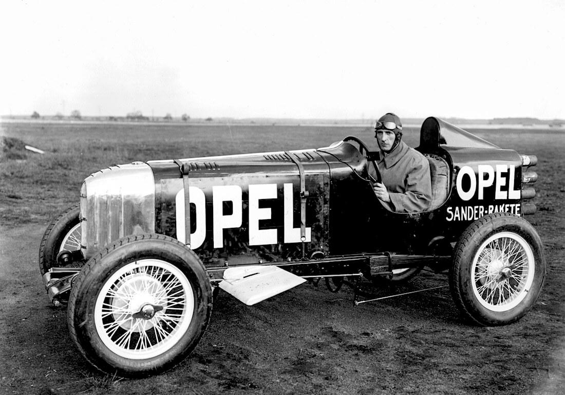 Opelin ensimmäinen rakettiauto RAK 1. Kuva: Opel Automobile GmbH.