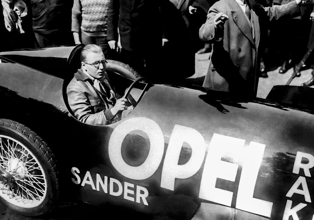 Fritz von Opel RAK 2 autossa. Kuva: Opel Automobile GmbH.