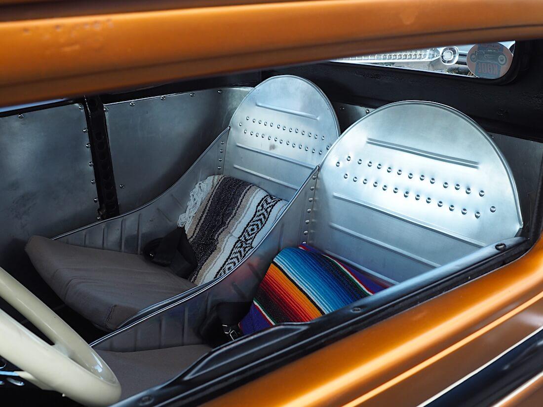 1931 Ford A 5-window rodin metalliset kuppi-istuimet. Tekijä: Kai Lappalainen, lisenssi: CC-BY-40.