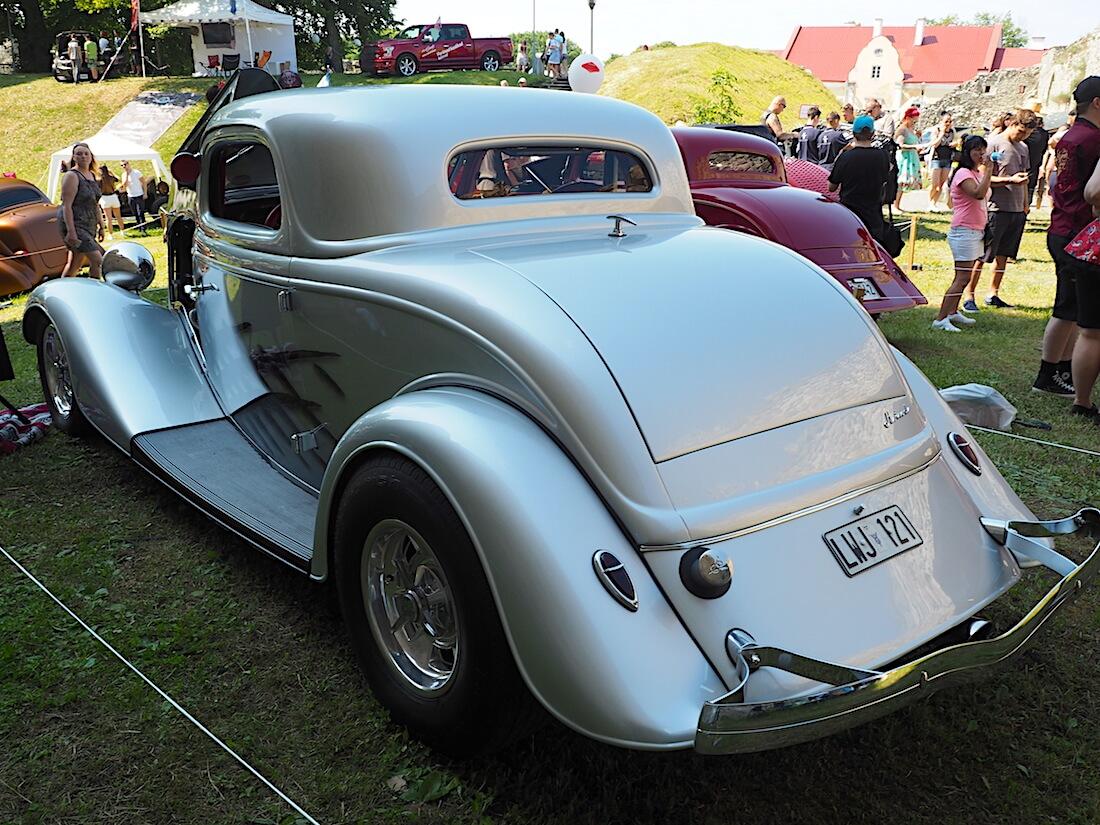 1934 Ford Three Window Hot rod Haapsalun piispanlinnan pihalla.. Tekijä: Kai Lappalainen, lisenssi: CC-BY-40.