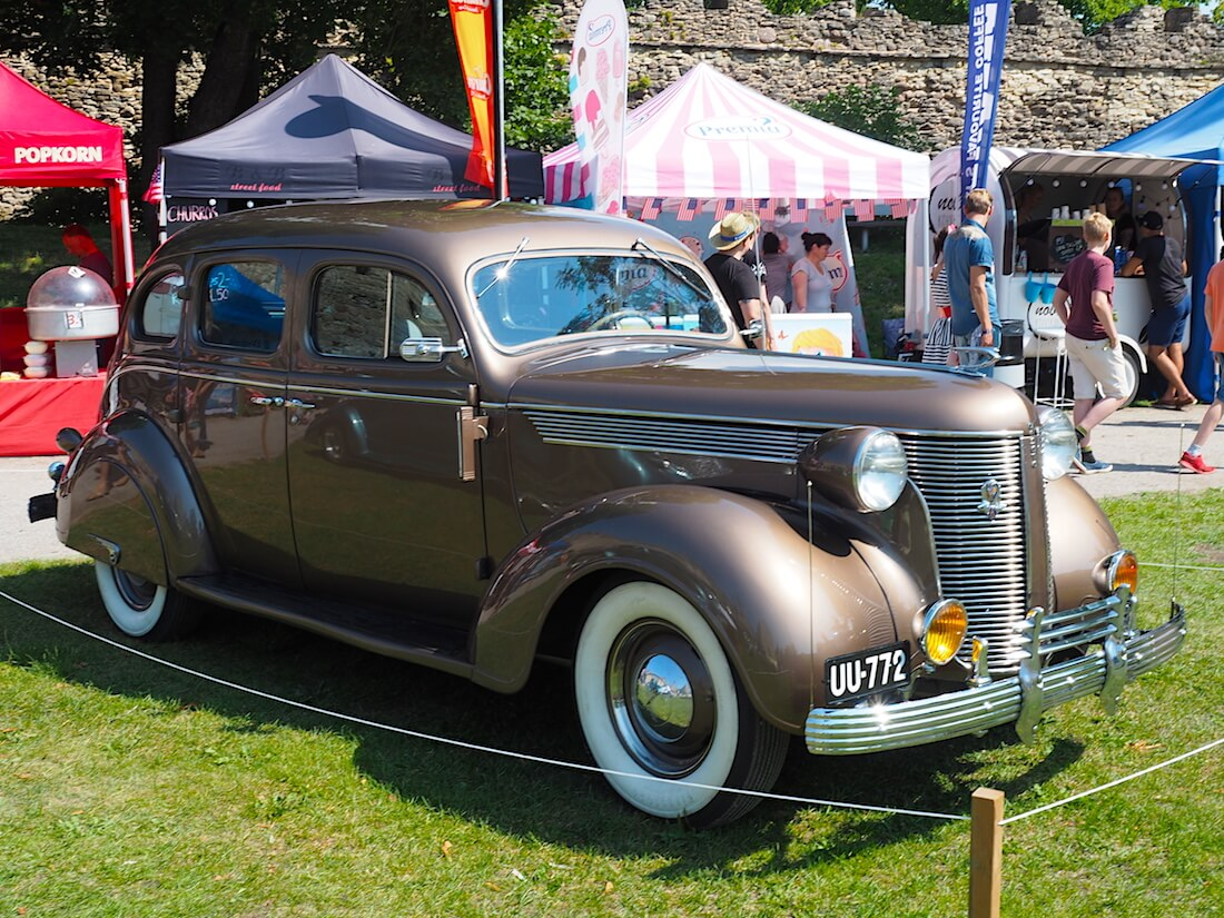 1937 DeSoto S3 Touring Sedan R6. Tekijä: Kai Lappalainen, lisenssi: CC-BY-40.