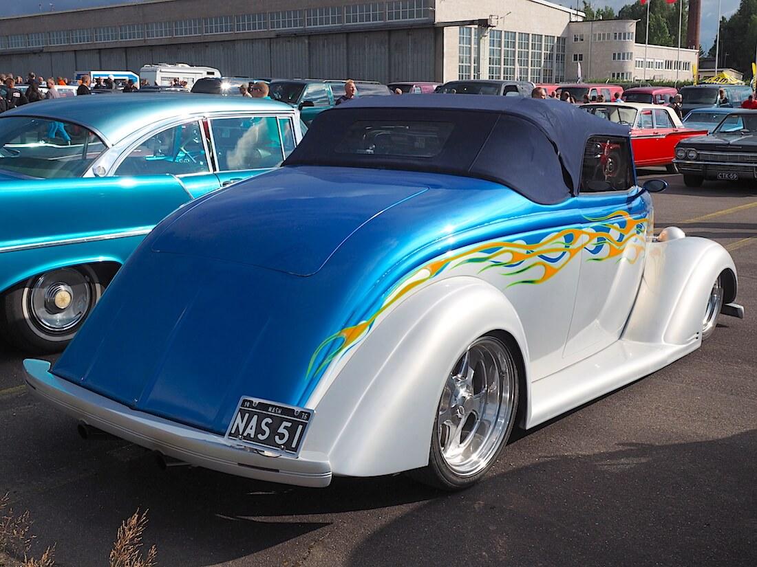 1938 Nash Lafayette coupe cabrio takaa. Tekijä: Kai Lappalainen, lisenssi: CC-BY-40.
