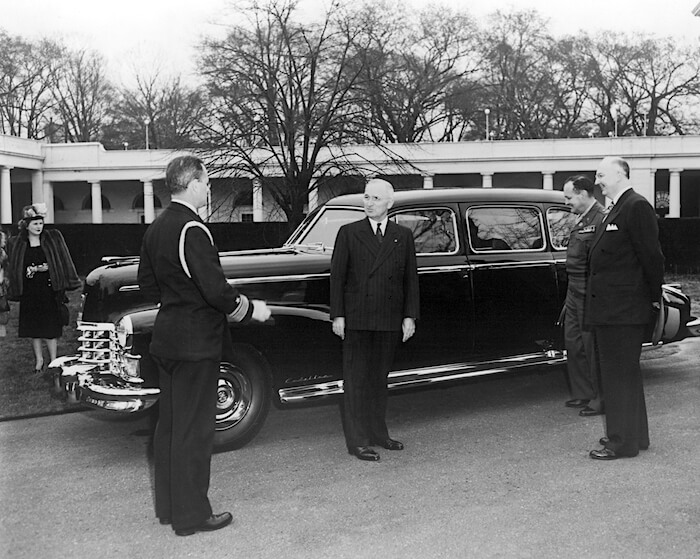 1947 Cadillac Fleetwood Series 75 ja presidentti Harry S. Truman. Kuva: GM Media, lisenssi: CC-BY-NC-30