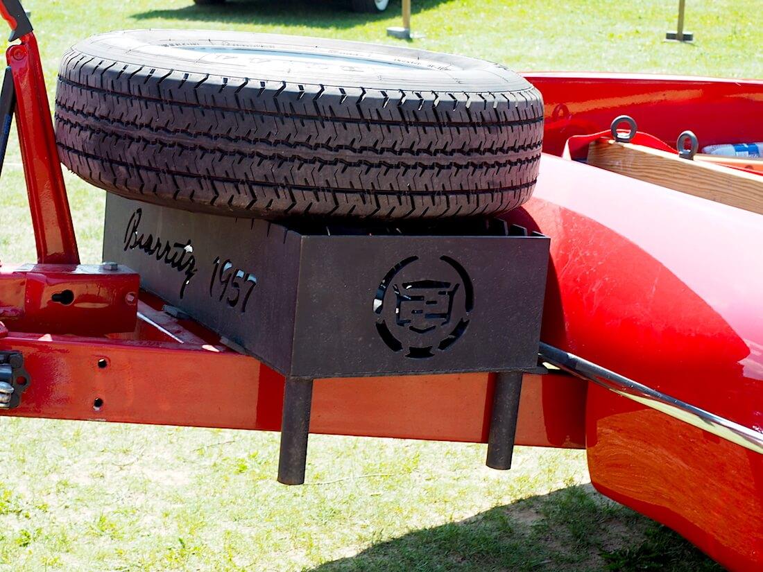 Cadillac sashlik-grilli. Tekijä: Kai Lappalainen, lisenssi: CC-BY-40.