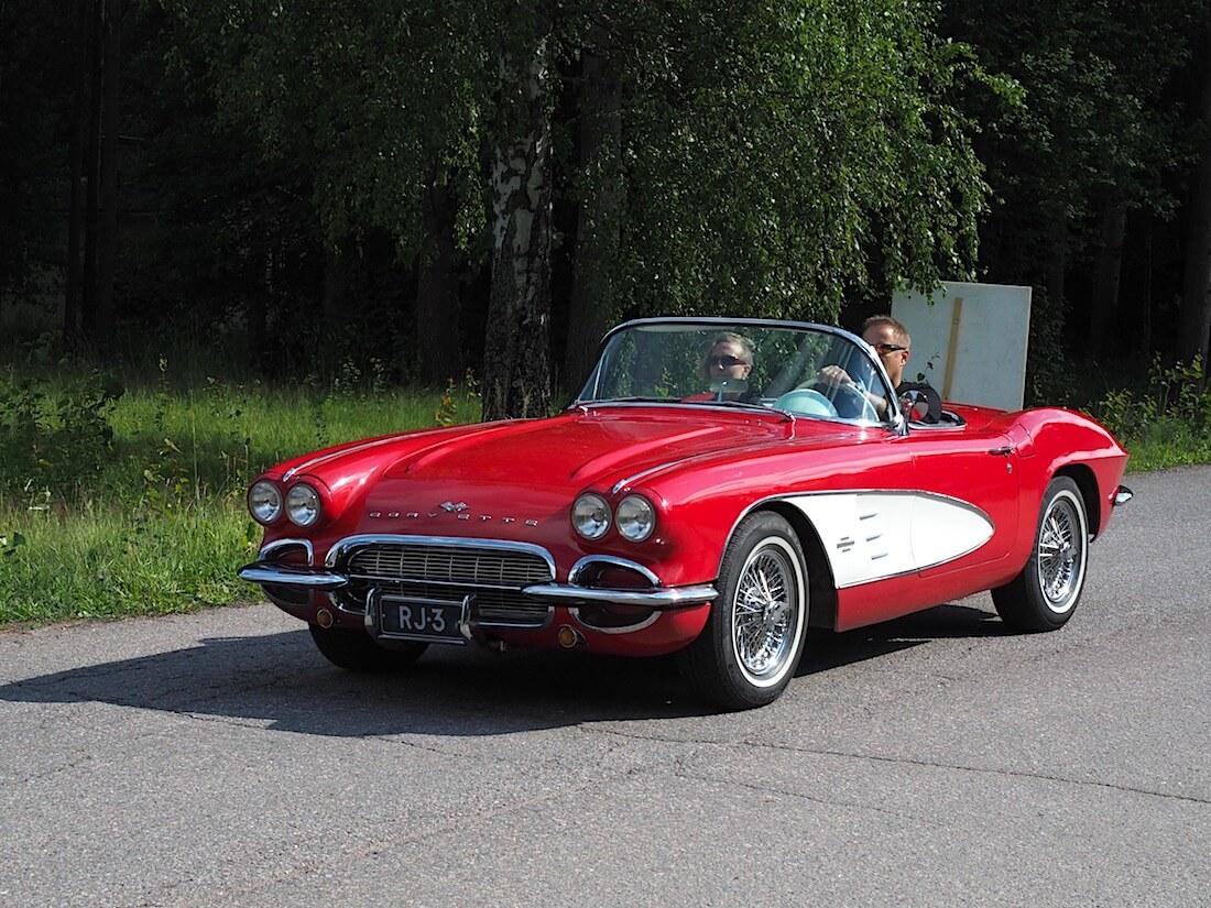 1961 Chevrolet Corvette 283cid avoauto. Tekijä: Kai Lappalainen, lisenssi: CC-BY-40.