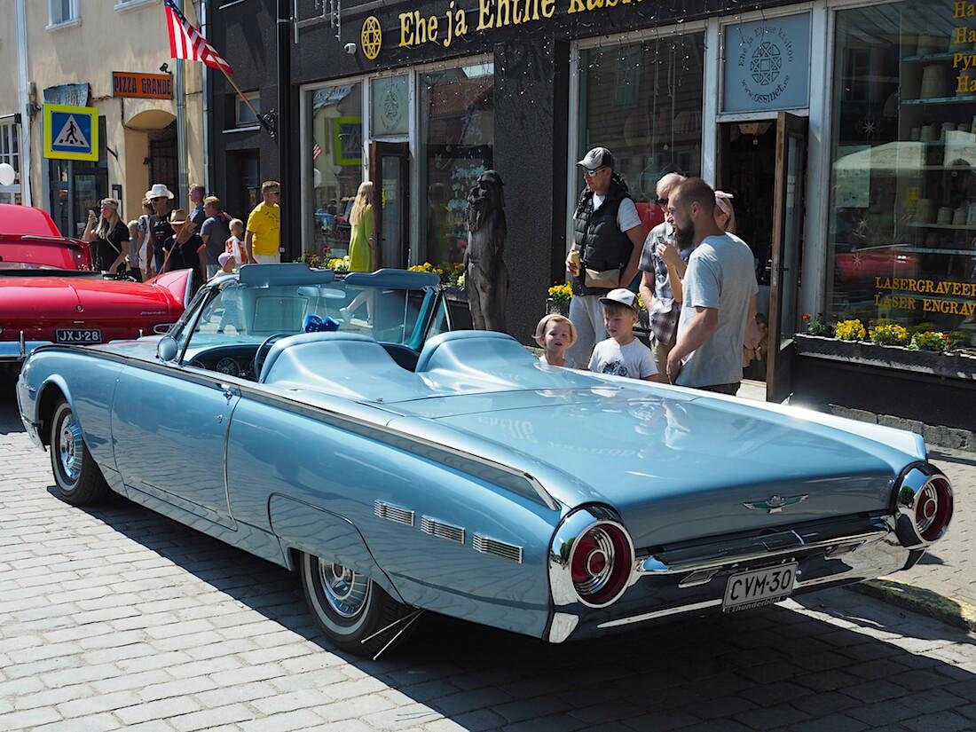 1962 Ford Thunderbird. Tekijä: Kai Lappalainen, lisenssi: CC-BY-40.