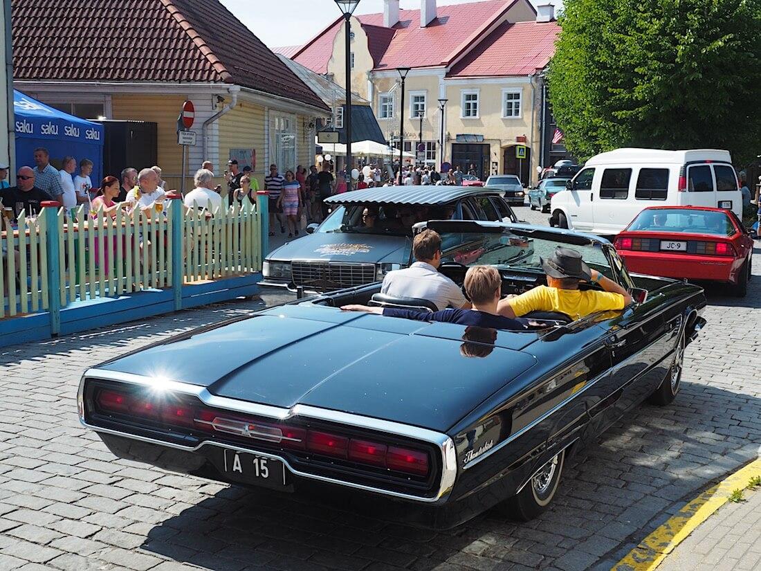 1965 Ford Thunderbird 390cid. Tekijä: Kai Lappalainen, lisenssi: CC-BY-40.