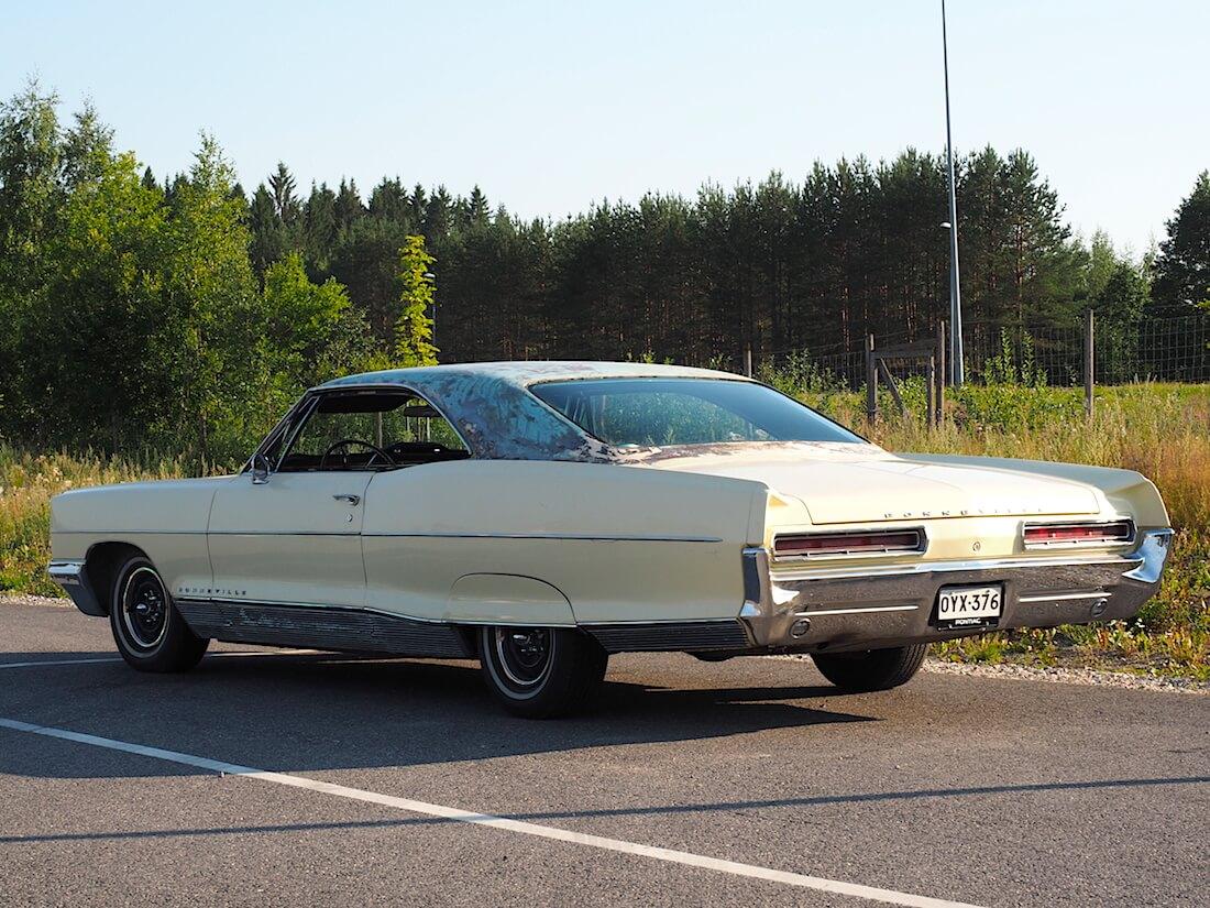1966 Pontiac Bonneville 2d hardtop 389cid V8-moottorilla. Tekijä: Kai Lappalainen. Lisenssi: CC-BY-40.