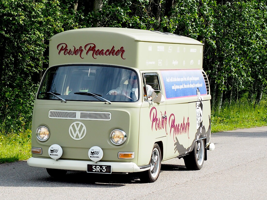 Korotettu 1968 VW Kastenwagen pallokeula pakettiauto. Tekijä: Kai Lappalainen, lisenssi: CC-BY-40.