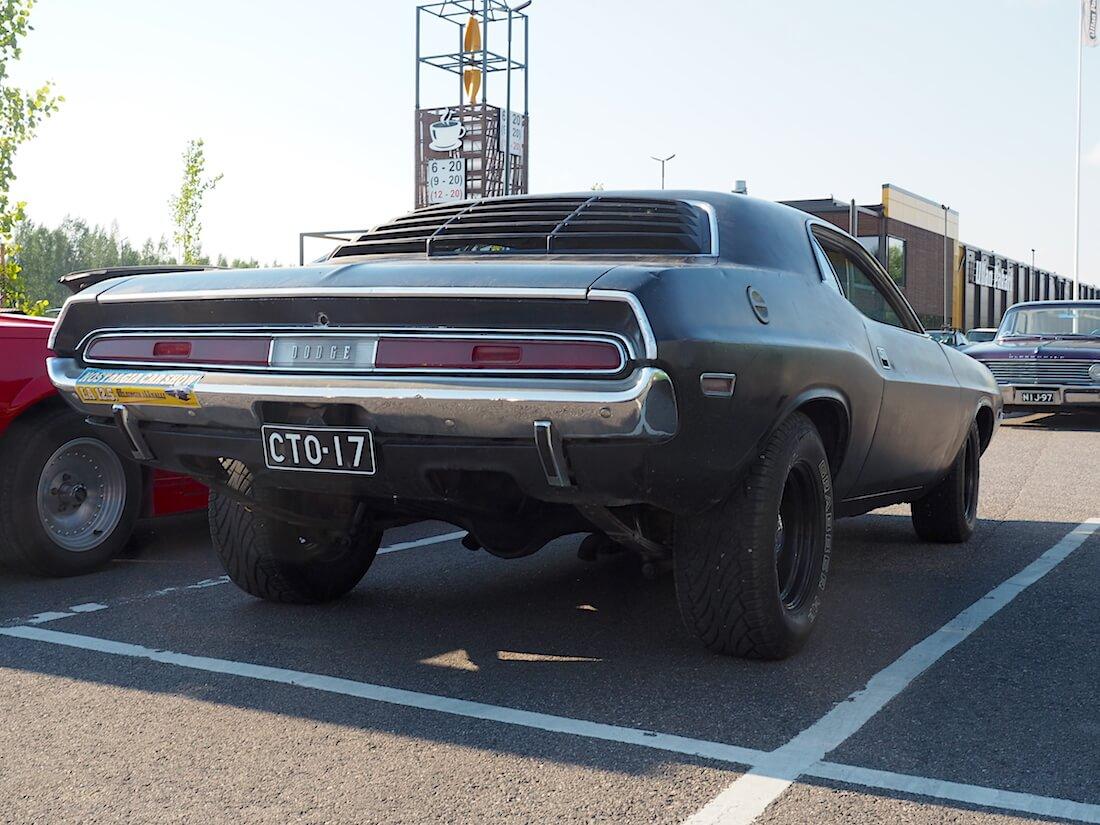 1970 Dodge Challenger stance. Tekijä: Kai Lappalainen. Lisenssi: CC-BY-40.