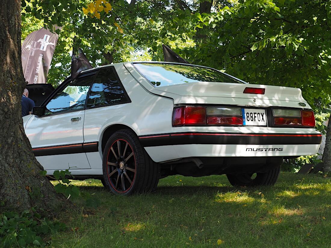 1988 Fox-Body Mustang 2,3l 140cid R4. Tekijä: Kai Lappalainen, lisenssi: CC-BY-40.