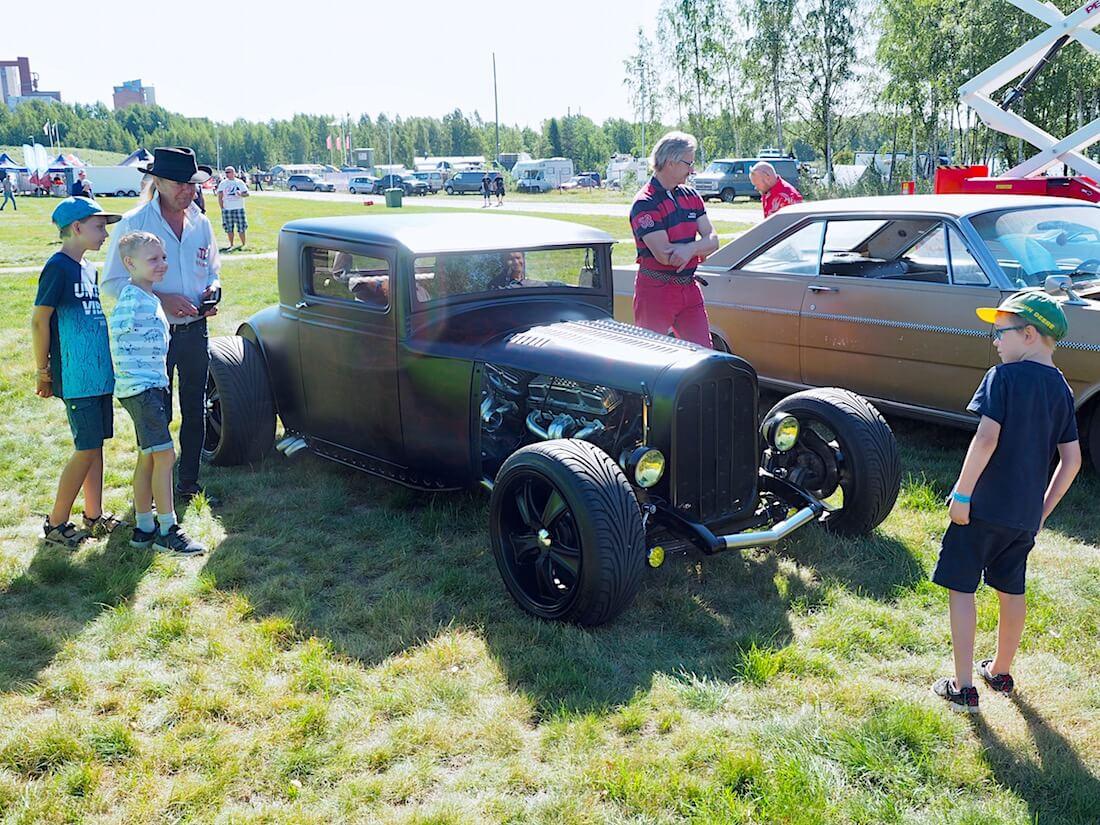 1928 Hudson Essex rodi LinnaCruisingissa. Kuvan tekijä: Kai Lappalainen. Lisenssi: CC-BY-40.