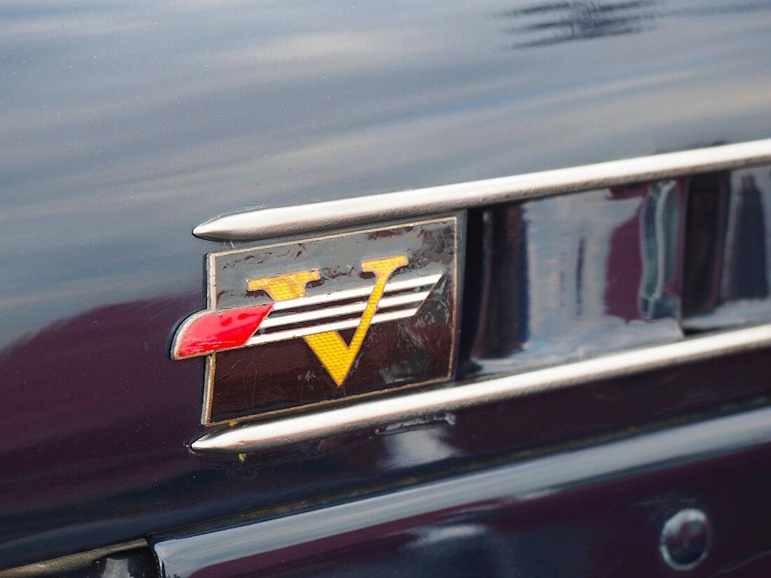 1936-1938 Volvon PV51-PV56 malleissa käytössä ollut logo. käytössäTekijä: Kai Lappalainen. Lisenssi: CC-BY-40.