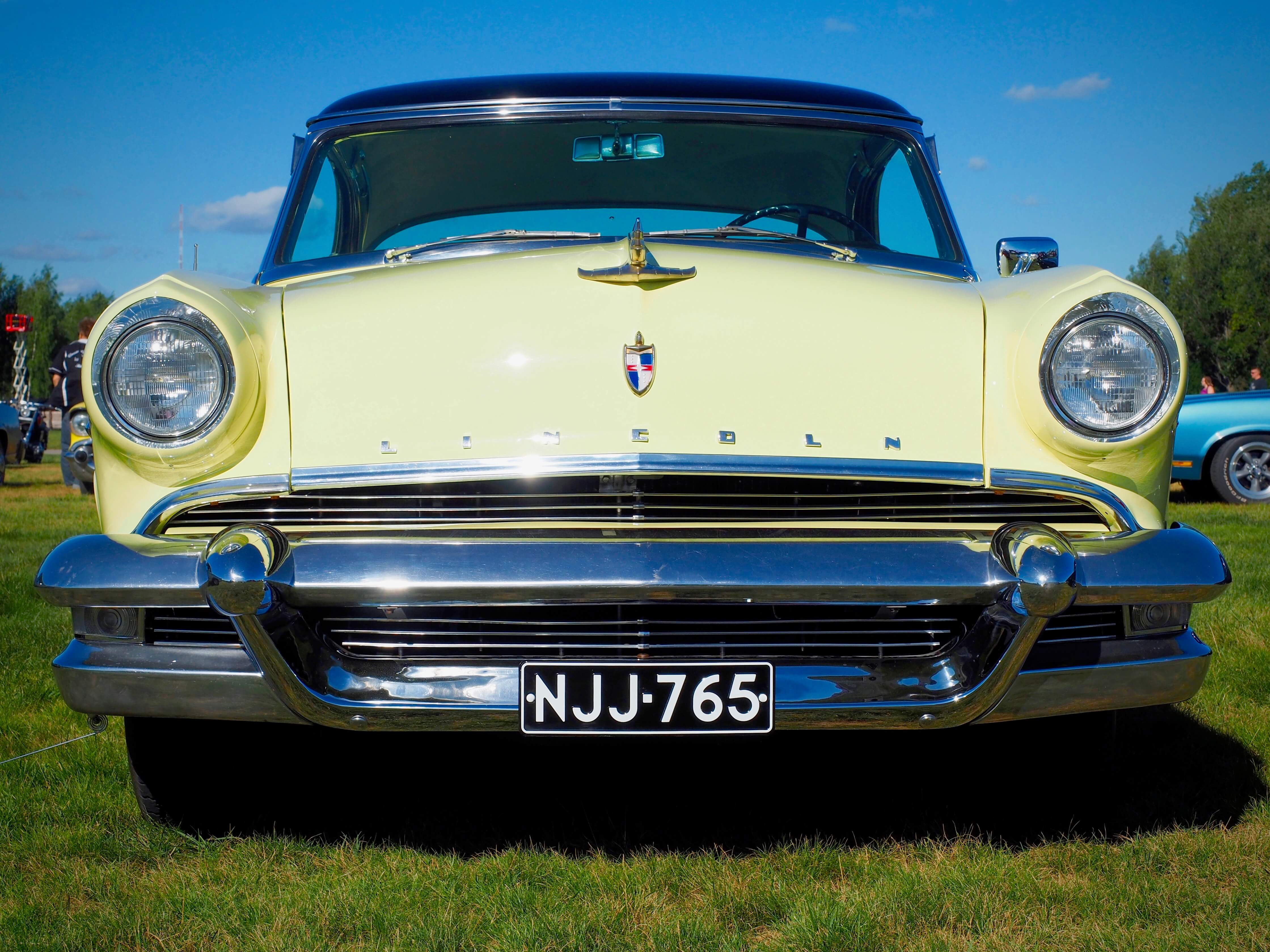 1955 Lincoln Capri 2d Coupe 34cid. Kuvan tekijä: Kai Lappalainen. Lisenssi: CC-BY-40.