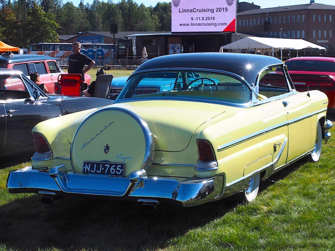 Keltainen 1955 Lincoln Capri 2d Coupe 341cid. takaa. Kuvan tekijä: Kai Lappalainen. Lisenssi: CC-BY-40.
