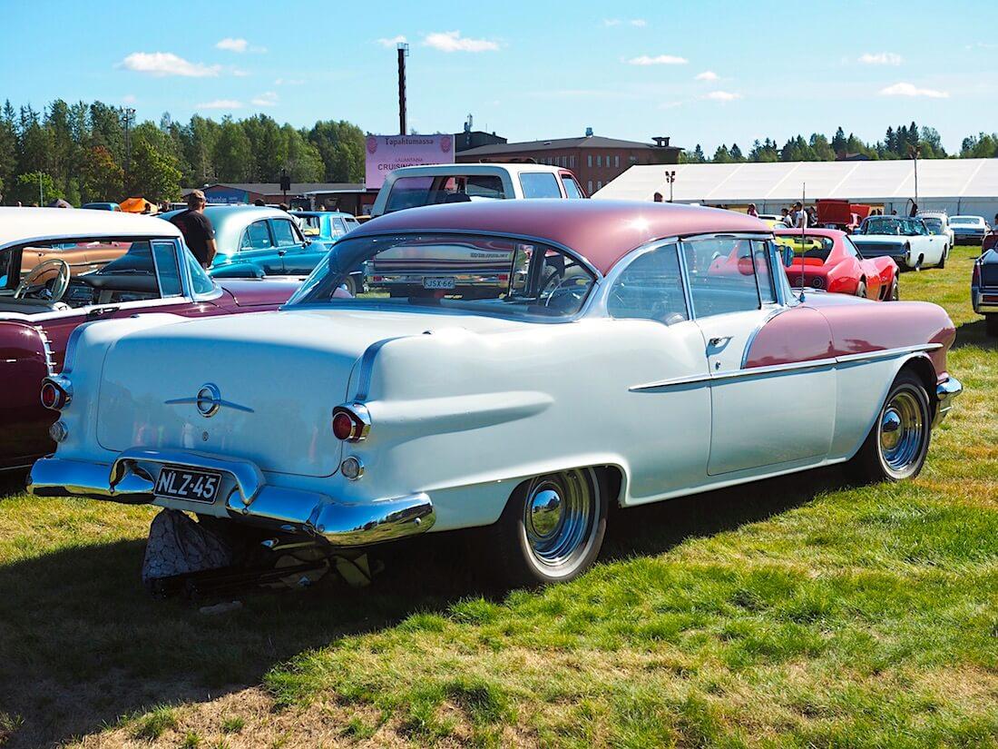 1956 Pontiac Chieftain 316.6cid V8. Kuvan tekijä: Kai Lappalainen. Lisenssi: CC-BY-40.