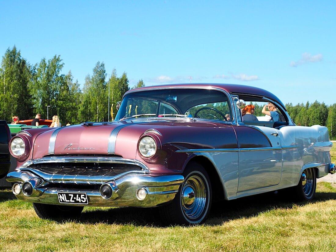 1956 Pontiac Chieftain 2d HT 316.6cid V8. Kuvan tekijä: Kai Lappalainen. Lisenssi: CC-BY-40.