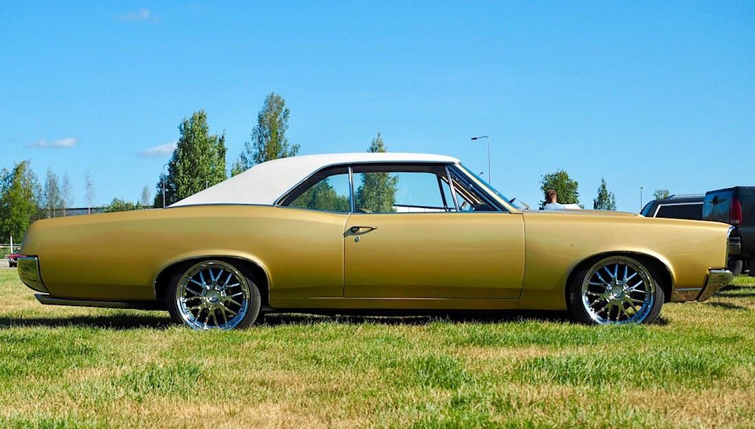 1967 Pontiac 2d GTO muskelijenkki. Kuvan tekijä: Kai Lappalainen. Lisenssi: CC-BY-40.