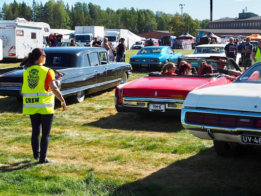 Punainen 1970 Oldsmobile Ninety Eight 455 Convertible. Kuvan tekijä: Kai Lappalainen. Lisenssi: CC-BY-40.