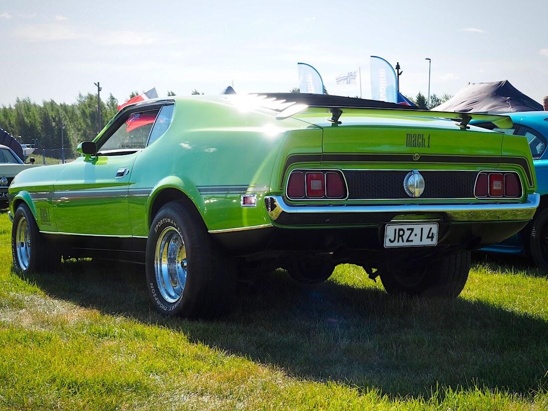 Vihreä 1971 Ford Mustang Mach 1 351cid Sportsroof. Kuvan tekijä: Kai Lappalainen. Lisenssi: CC-BY-40.