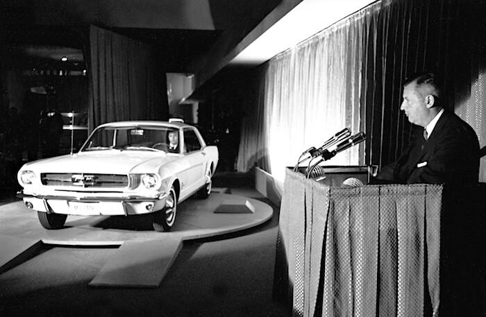 Henry Ford II Mustangin maailmanensi-illassa New Yorkin maailmannäyttelyssä 17.4.2018. Kuvan copyright: Ford Motor Company.