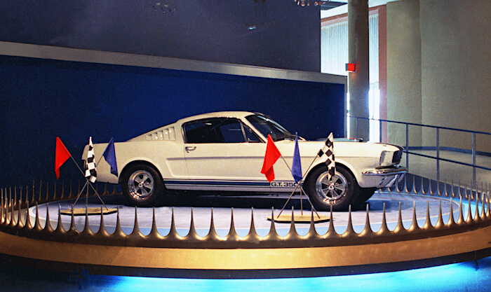 Caroll Shelbyn Ford Mustang Shelby GT350. Kuvan copyright: Ford Motor Company.