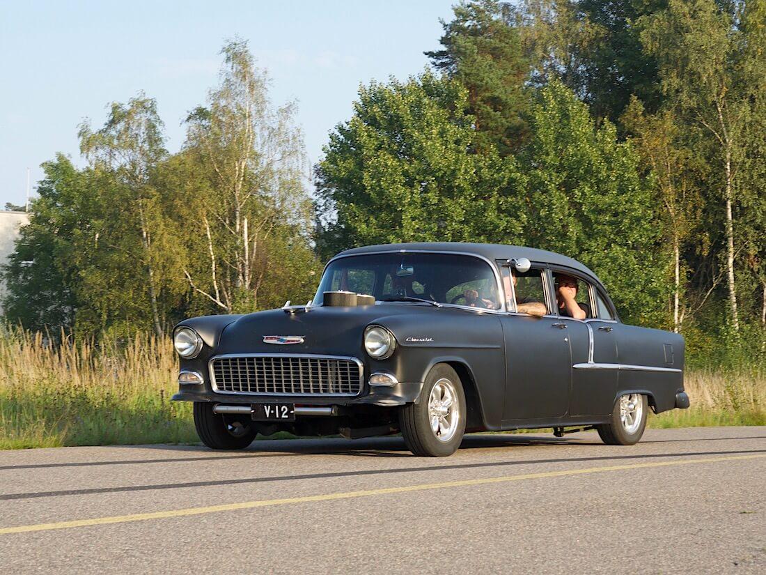 Mattamusta 1955 Chevrolet 210 4d Sedan. Tekijä: Kai Lappalainen. Lisenssi: CC-BY-40.