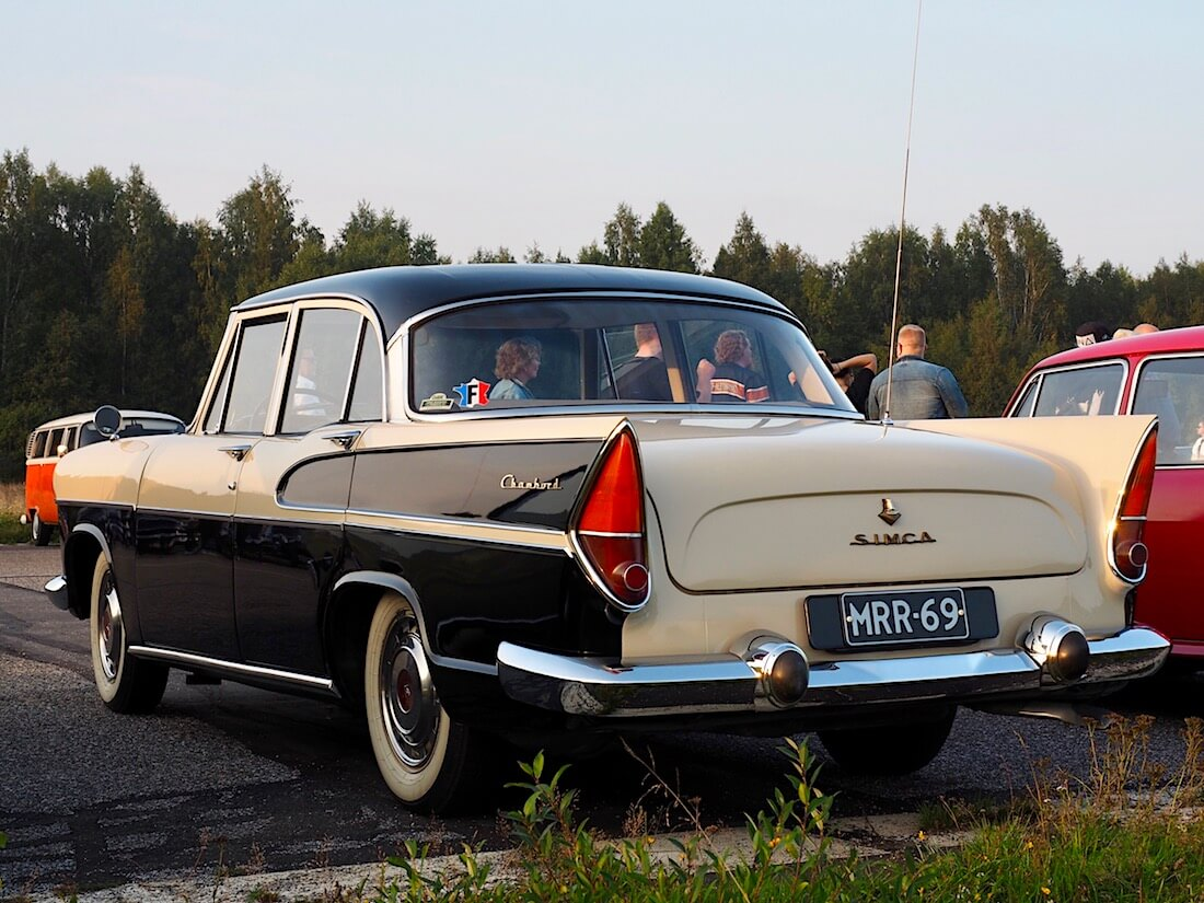 1961 Simca Vedette Chambord V8 takasiivet. Tekijä: Kai Lappalainen. Lisenssi: CC-BY-40.