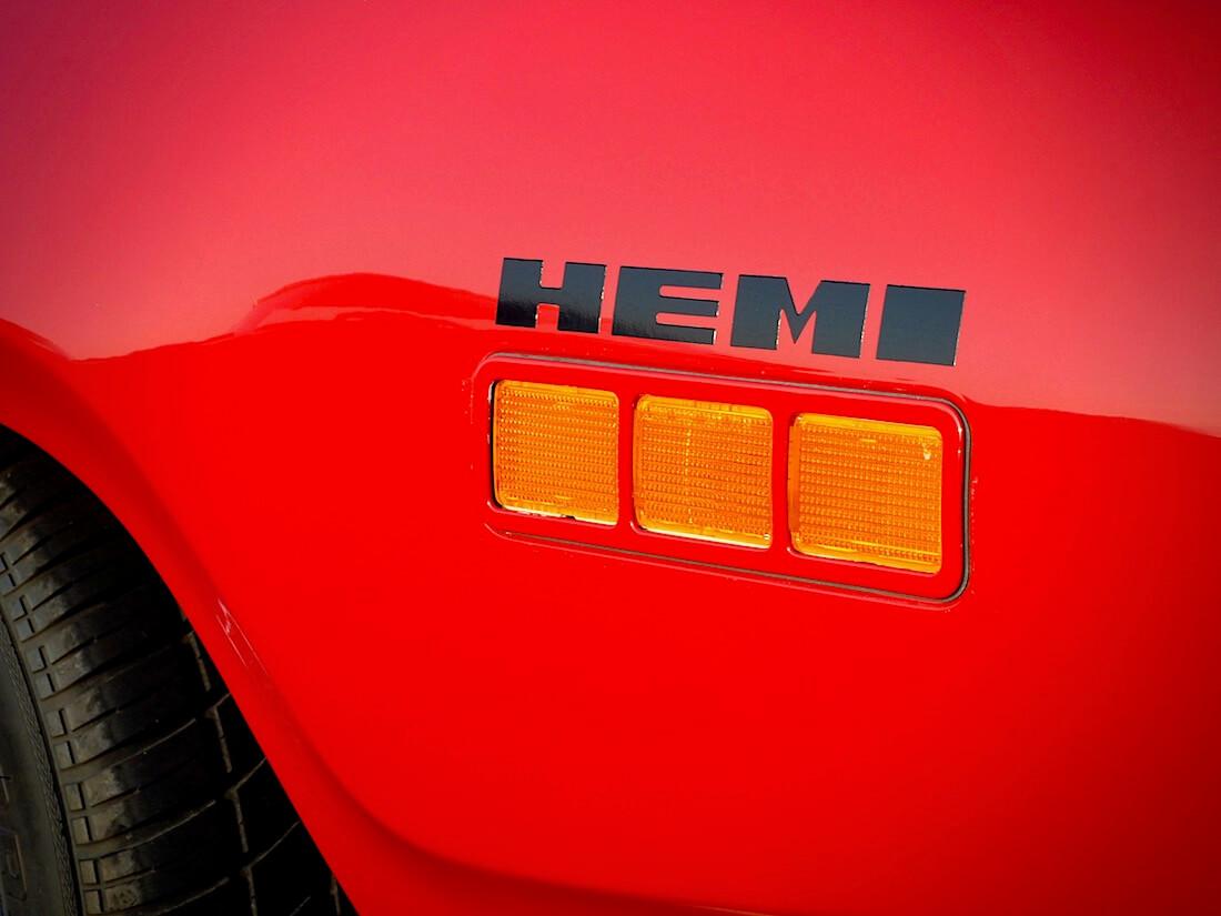1971 Plymouth Statellite Sebring Plus 425cid HEMI-logo. Tekijä: Kai Lappalainen. Lisenssi: CC-BY-40.