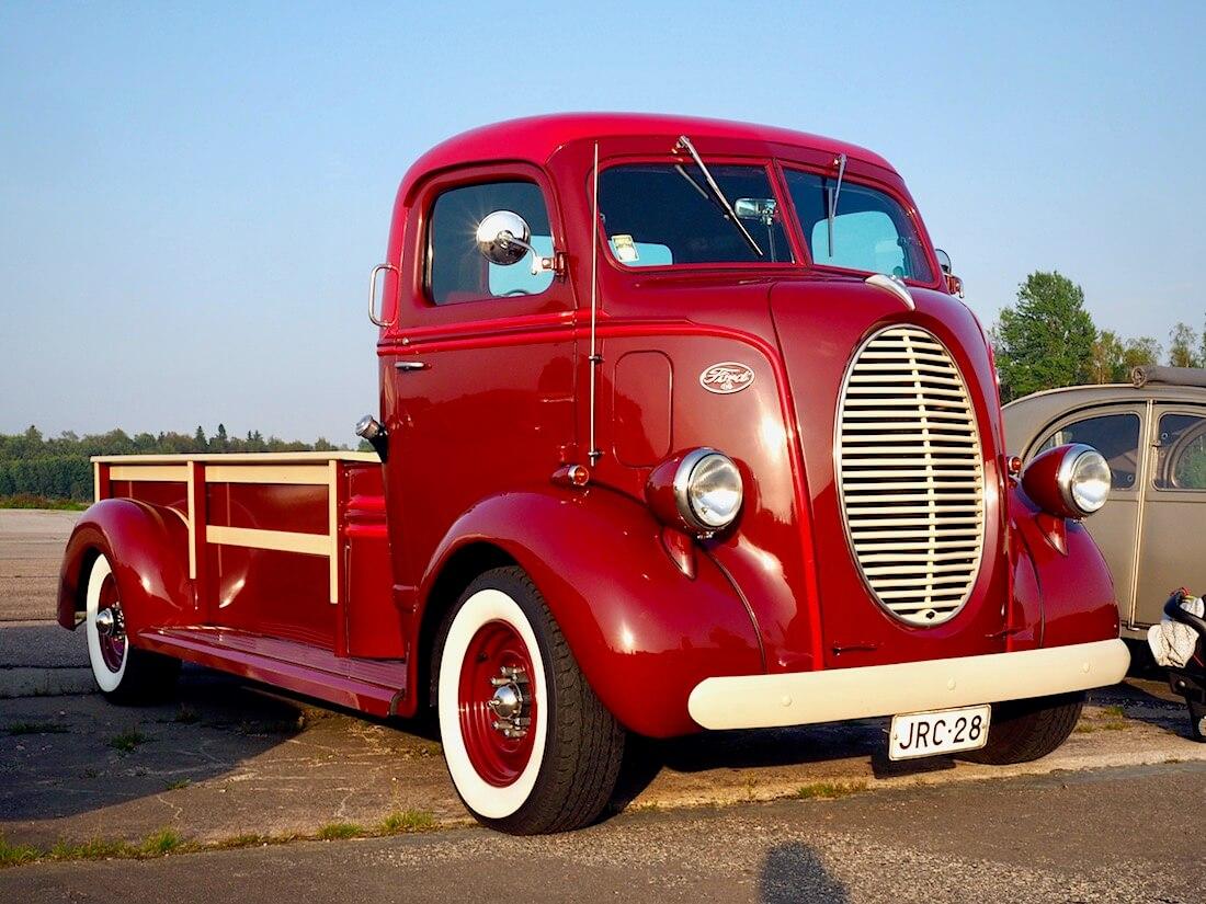 1937-40 Ford COE truck kori Econoline E-350 alustalla. Tekijä: Kai Lappalainen. Lisenssi: CC-BY-40.