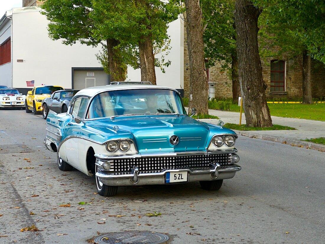 Two-tone 1958 Buick Super Riviera sedan 364cid. Tekijä: Kai Lappalainen. Lisenssi: CC-BY-40.