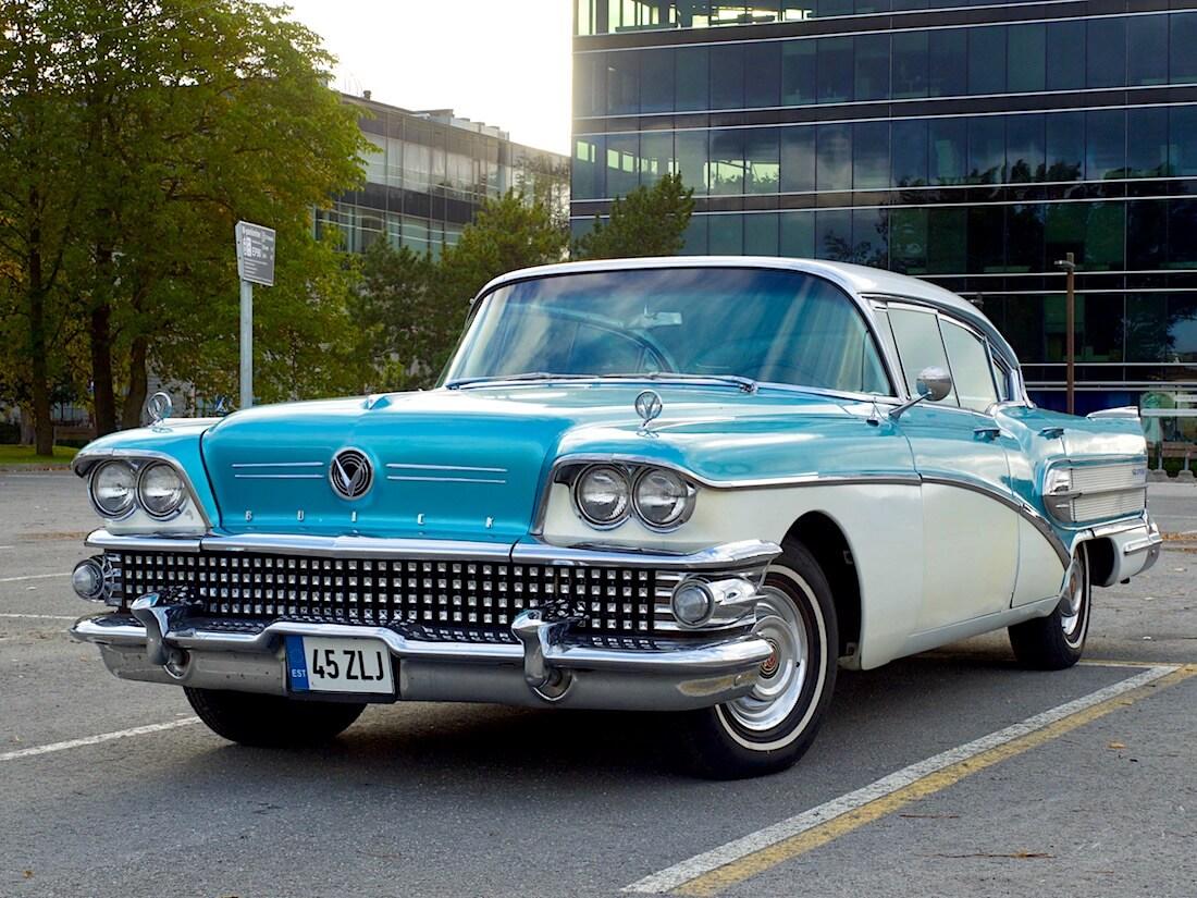 1958 Buick Super Riviera 364cid Tallinnassa. Tekijä: Kai Lappalainen. Lisenssi: CC-BY-40.
