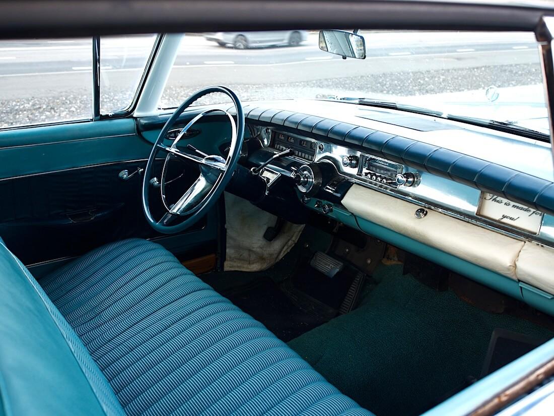 1958 Buick Super Rivieran sisusta. Tekijä: Kai Lappalainen. Lisenssi: CC-BY-40.