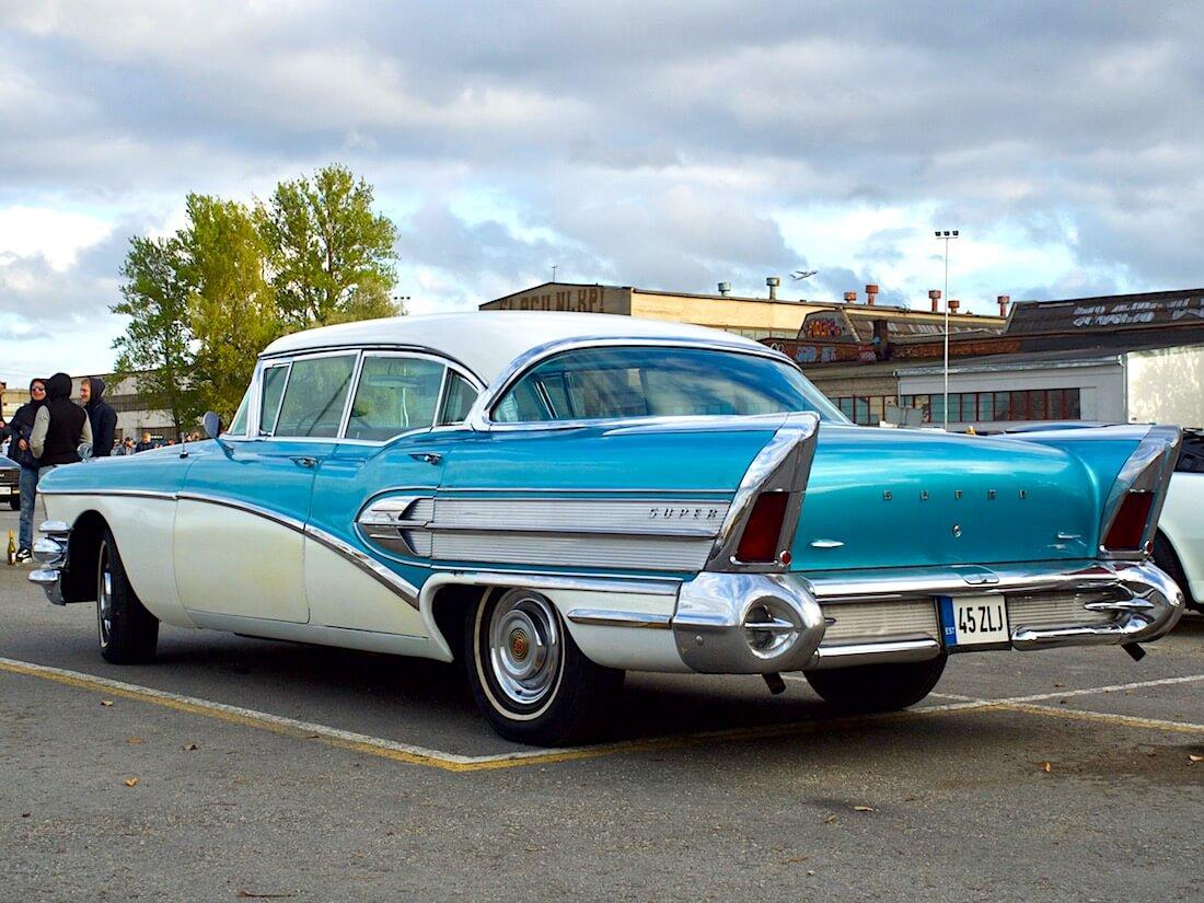 1958 Buick Super Riviera takaa. Tekijä: Kai Lappalainen. Lisenssi: CC-BY-40.