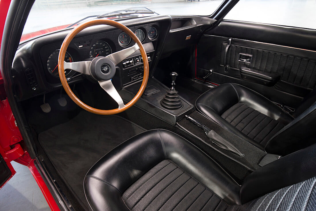1968 Opel GT sisustus. Tekijä ja copyright: Opel Automobile GmbH