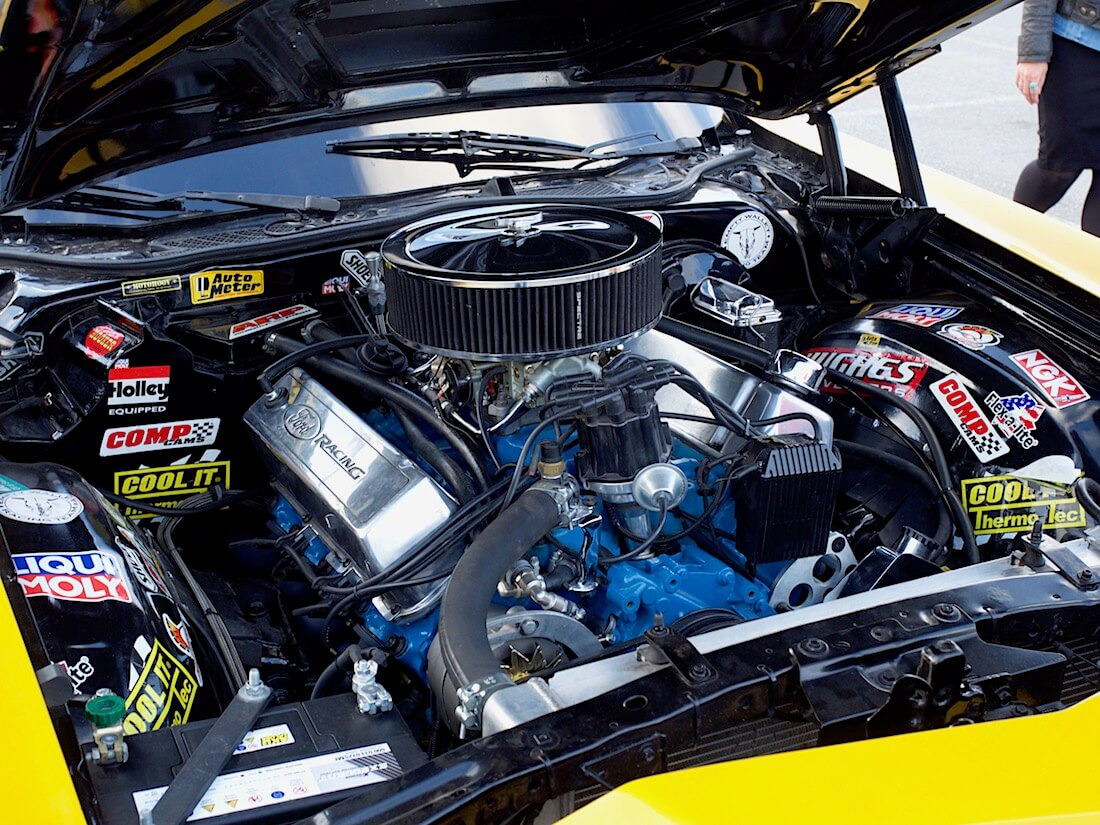 1978 Ford Ranchero 429cid V8-moottori Edelbrock, Hooker ja Flowmaster osilla. Tekijä: Kai Lappalainen. Lisenssi: CC-BY-40.
