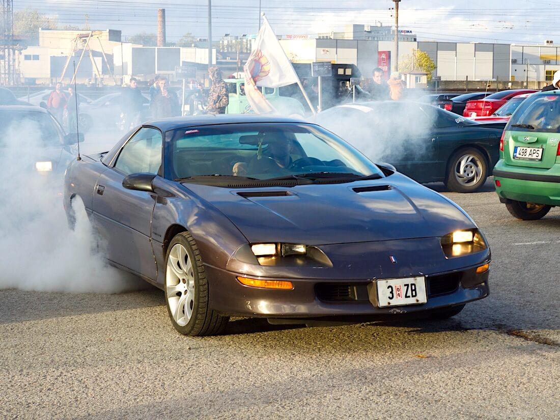 1994 Chevrolet Camaro V6 Burnout. Tekijä: Kai Lappalainen. Lisenssi: CC-BY-40.