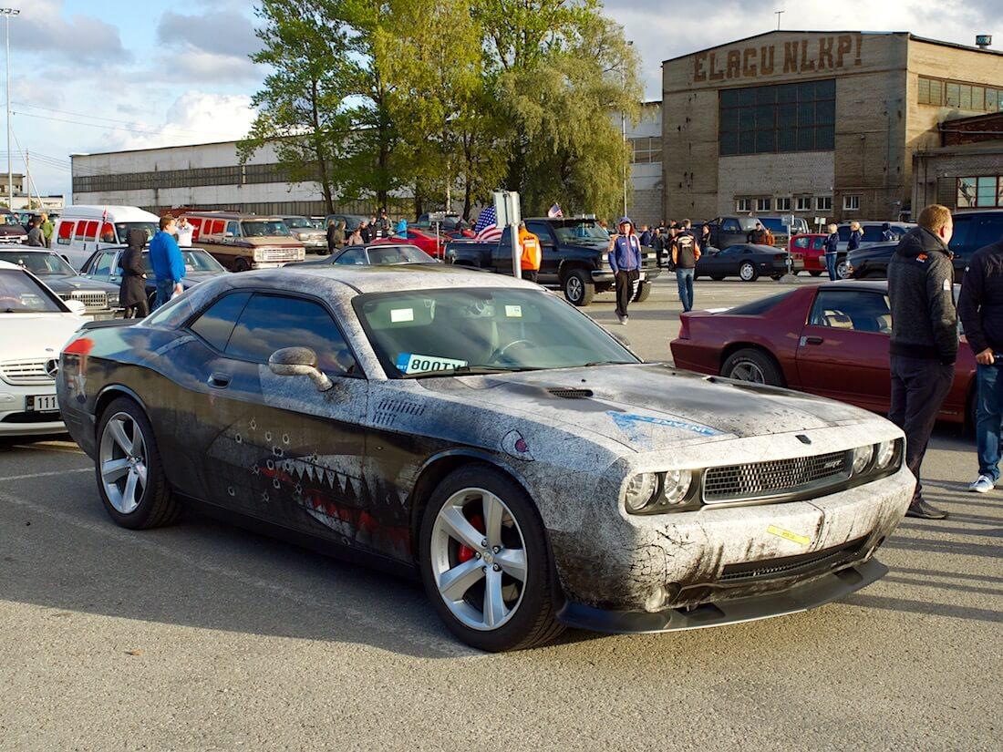 2008 Dodge Challenger SRT8 370cid Hemi V8. Tekijä: Kai Lappalainen. Lisenssi: CC-BY-40.