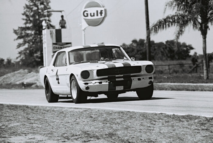 1966 Ford Mustang Trans-Am A.J. Foyt. Kuva: Dave Friedman Collection. Lisenssi: CCBYNCND20.