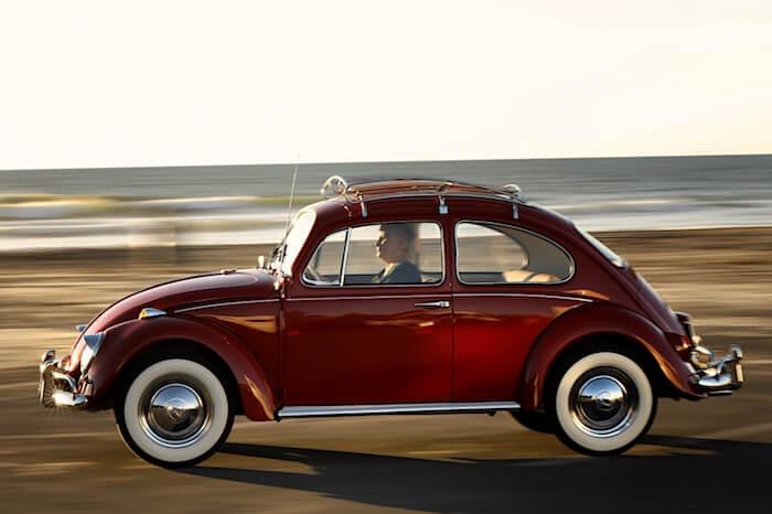 Tehdascustomooitu ja entisöity 1967 USA kuplavolkkari. Kuva ja copyright: Volkswagen of America.