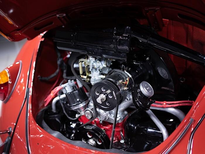 1967 kuplan remontoitu moottori MST ja Pertronix osilla. Kuva ja copyright: Volkswagen of America.
