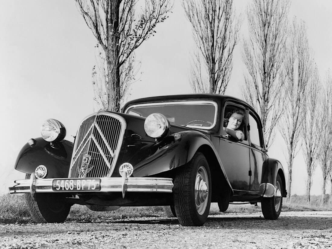 1938 Citroën 15CV Traction Avant. Kuva ja copyright: Citroen Communications.