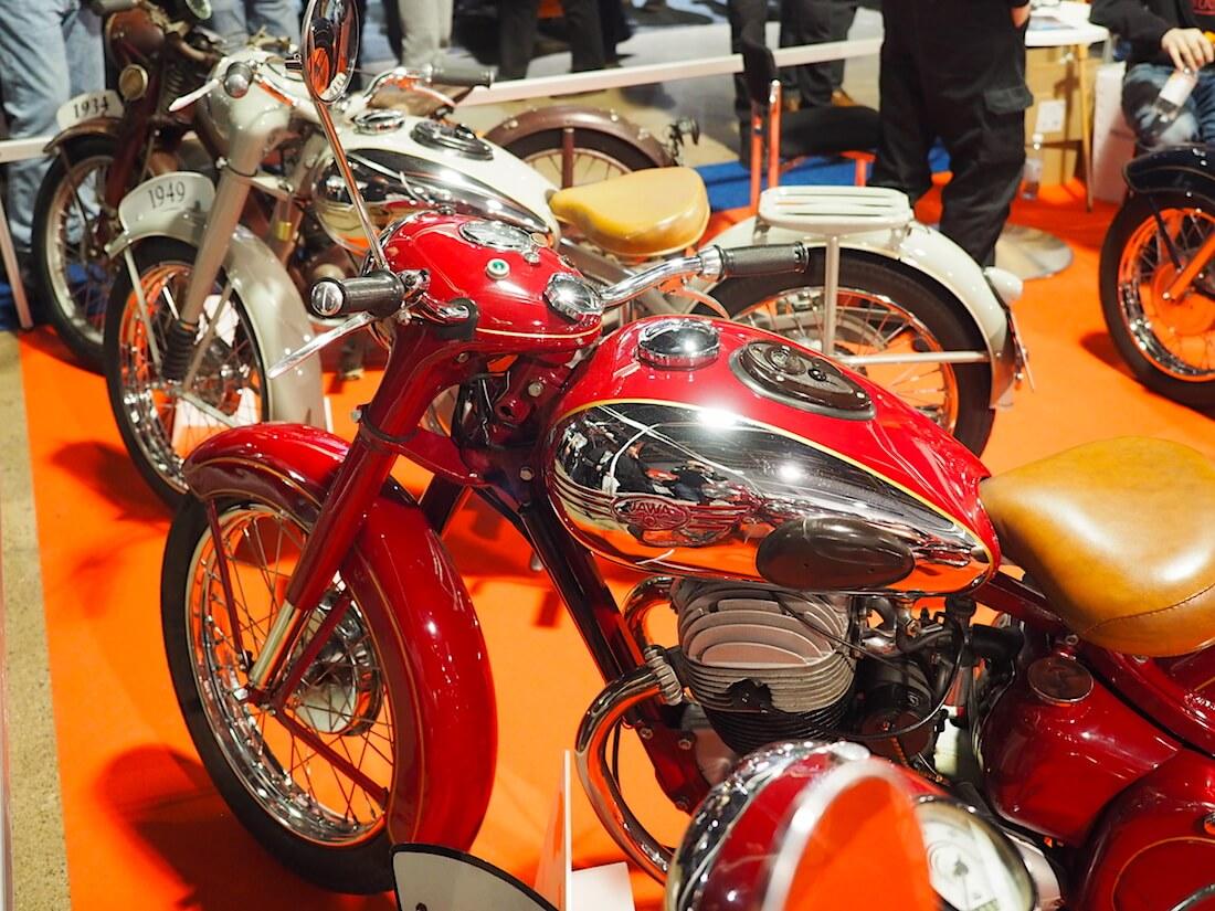 """1952 Jawa 15 OHC 500cc """"Kuningas-Jawa"""". Kuva: Kai Lappalainen. Lisenssi: CC-BY-40."""